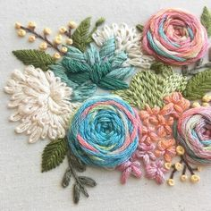 Hand Embroidered Roses Succulents & Flowers in 5 Hoop Embroidered Flowers Original Pattern Hand Embroidery Videos, Hand Embroidery Flowers, Simple Embroidery, Hand Embroidery Stitches, Embroidery Techniques, Ribbon Embroidery, Japanese Embroidery, Floral Embroidery Patterns, Crewel Embroidery