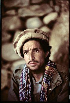 Ahmad Shah #Massoud by #Reza Deghati #photo #photographie #photographer #photography #photographe #OlivierOrtion #photojournalism