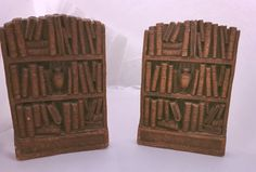 Stunning, vintage wood bookends with ornate detailing!  Made in the US by the Syroco Co in Syracuse New York.