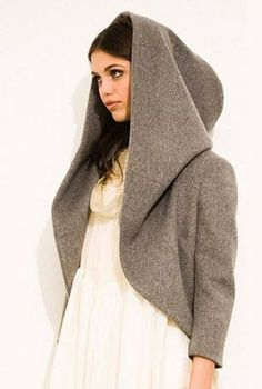 Interesting hood, with a partial pattern, in Russian - Salvabrani Fashion Sewing, Diy Fashion, Ideias Fashion, Fashion Outfits, Womens Fashion, Diy Clothing, Sewing Clothes, Clothing Patterns, Hood Pattern