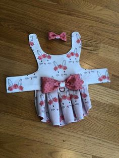 ♥️♥️♥️Harness Vest / Harness Dog DressYou can find Dog dresses and more on our website. Small Dog Clothes, Puppy Clothes, Pet Dogs, Pets, Dog Clothes Patterns, Dog Jacket, Dog Pattern, Dog Sweaters, Dog Dresses