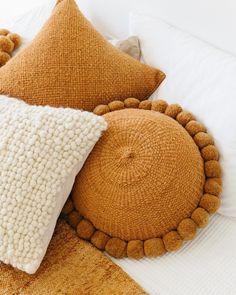 Trendy Home Decored Ideas Living Room Inspiration Pillows Decoration Bedroom, Diy Home Decor, Yellow Home Decor, Home Decor Accessories, Decorative Accessories, Vintage Accessories, Décor Boho, Natural Home Decor, Trendy Home