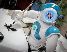 110720-NAO-Robot-Calligraphy-036.jpg