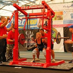 Future goals: 10 things every novice female powerlifter should know Powerlifting For Beginners, Powerlifting Women, Powerlifting Motivation, Fitness Motivation, Girls Be Like, Girls Who Lift, Nerd Fitness, Fit Motivation