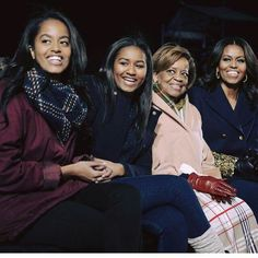 Malia Obama ,Sasha Obama their grandmother Marian Shields Robinson and her daughter First Lady Michelle Obama