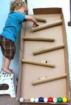 25 ways to keep your kids busy - without television!