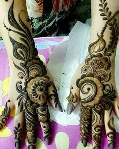 Beautiful design for bride mehandi design