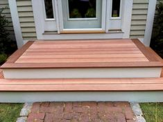 Ideas backyard patio steps curb appeal for 2019 Patio Steps, Steps For Deck, House With Porch, House Front, Front Porch Steps, Front Porch Deck, Front Porches, Porch Entrance, Patio Doors