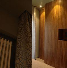 nuovo progetto di ristrutturazione e consulenza di interni su www.danielespitaleri.it #mywork #interiordesign #homedecor  particolare alloggio #tenda in seta, particolare rivestimento parete in #legno zebrano