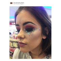 Festival Inspired Makeup by Loren from Benefit in our Fairgreen S.C. store