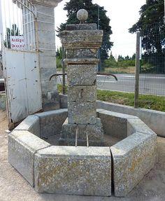 Fontaine centrale en pierre de taille avec bassin diamètre 252cm ...