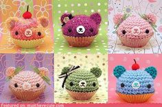 crocheted bear cupcakes