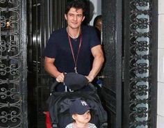 Papà Orlando Bloom a passeggio - Le Nuove Mamme