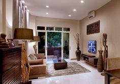 45 Bay Window Ideas With Modern Interior Design - Modern Architecture Modern Japanese Interior, Modern Interior Design, Interior Architecture, Resort Interior, Tropical Interior, Oriental Design, Window Design, Bay Window, Style Guides