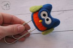 Blue owl - felted paperclip