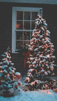 Dream Moon Wallpaper - My Wallpapers Christmas Phone Wallpaper, New Year Wallpaper, Winter Wallpaper, Holiday Wallpaper, Disney Wallpaper, Iphone Wallpaper, Screen Wallpaper, Wallpaper Quotes, Christmas Mood