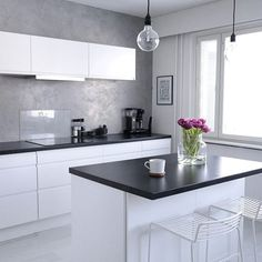#interior #interior123 #whiteinterior #cozy #modernhome #kitcheninspo #kitchen #whitekitchen #kök #hus10a #inspiroivakoti #inspiremeinterior #HAY #hayhee #interiordesign #etuovisustus #styleroom_fi #mitinspo #minimalist #nordichome #nordicinterior #nordiskhjem #skandinavianhem #skandinaviskehjem #nordicminimalism #minimal #mynordicroom #nordic_and_living