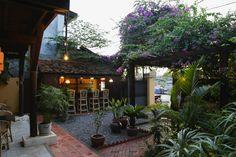 Our Foodie Favorites // Battambang Cambodia Battambang Cambodia, Pizza Life, Best Places To Eat, Fine Dining, Us Travel, Patio, Outdoor Decor, Blog, Blogging
