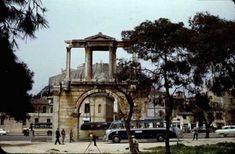 30 νοσταλγικές φωτογραφίες από την Αθήνα της δεκαετίας του 1960.