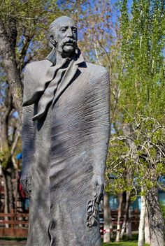 William Saroyan statue in Yerevan Armenian History, Armenian Culture, Famous Armenians, Armenian Military, William Saroyan, Forest Resort, Yerevan Armenia, Georgie, My Heritage
