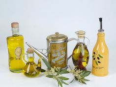 9 Pro Tips on How to Buy and Use Good Olive Oil  | Food&Wine