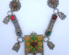 Morocco - Berber necklace in silver with talisman, enamel, stone murrina venitian, coral, and glassware
