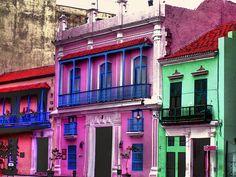 Cuba, L'Havana, Multicolored Houses