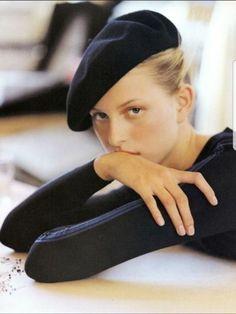 Karolina Kurkova wearing Alaia Elle US September 2000 (photography: Gilles Bensimon) via fashioned by love Parisienne Chic, Foto Face, Elle Us, Foto Fashion, Fashion Hats, Style Fashion, Latest Fashion, Fashion Beauty, Modeling Photography