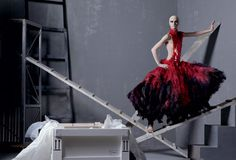 """Mario Testino """"Todo o Nada"""" Opening in Rome - Vogue Daily - Fashion and Beauty News and Features"""