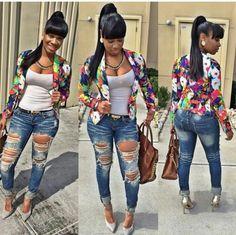 Love the floral blazer and boyfriend jeans