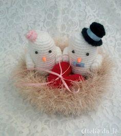 Porta aliança lindo com casal de noivinhos no ninho, um amor de porta aliança. <br>Média aproximadas: