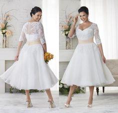Vintage 2016 Lace Plus Size Garden Wedding Dresses Tea Length with Half Sleeves Sweetheart Appliqued Short Wedding Dresses Custom Made
