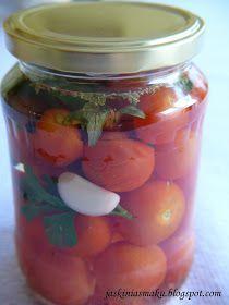 Pomidorki koktajlowe w zalewie Polish Recipes, Fat Burning Foods, Canning Recipes, Pickles, Preserves, Good Food, Food And Drink, Tasty, Healthy Recipes