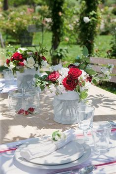 rosas en rojo y blanco