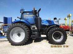 New Holland autonomous tractor New Holland Agriculture, New Holland Tractor, Ford Tractors, Farming, Pictures, Good Job, Photos, Grimm