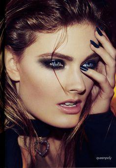 blue black nails & dark eye make up