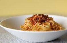 Bolognese a tagliatelle http://tomichutna.cz/prava-italska-bolognese-staci-4-hodiny