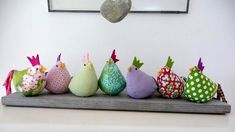 These Easter chickens are colorful, fun, quick to make and very decorative! These Easter chickens are colorful, fun, quick to make and very decorative! Depending on the size a ideen Ostern Diy And Crafts, Crafts For Kids, Basket Decoration, Sewing Projects For Beginners, Sewing Tutorials, Sewing Tips, Sewing Hacks, Diy Projects, Fabric Scraps