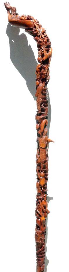 Bâton de l' Arche de Noé:                                      échouée sur le Mont Ararat, les Animaux en descendent en tournant autour du Fût.... sculpture de Pierre Damiean. Voir le Site: www.pierdam.fr  pour un contact: message@pierdam.fr