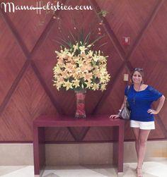 """""""La felicidad es sentirse bien consigo mismo"""" Louise L. Hay. …En este Holistic Thursday les muestro como engreí mi paladar en La Vista Restaurant JW Marriot Hotel de Lima y quería…"""