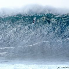On 18 January Danilo Couto and Marcio Freire ended up being the first to surf Jaws Peahi paddling, surfing the wave to the left side. Ocean Pictures, Surfing Pictures, Water Waves, Ocean Waves, Clark Little Photography, Big Wave Surfing, Surf Wave, Waimea Bay, Waves Photography
