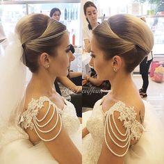 #gelinsaç #gelinsaçmodelleri #düğün #saçmodelleri http://xn--gelinsamodelleri-ipb.com/2015/09/10/gelin-sac-modelleri-2015-2/7