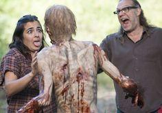 """The Walking Dead - 5x12 """"Remember"""" : Making of et commentaires de l'équipe (vidéos et photos) http://leblogduterminus.com/2015/03/07/5x12-remember-making-of-et-commentaires-de-lequipe/"""