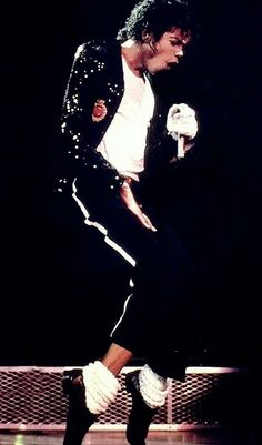 "Michael - I Love You More   L.O.V.E: Man In The Music: Capítulo II – Thriller ""Billie J..."