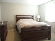 800 Silverfox Cres - The Property Professionals Master Bedroom with walk in closet and ensuite
