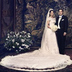 Princess Madeleine was all smiles on her wedding day (June 8, 2013) with husband Chris O'Neill, clad in a breathtaking Valentino gown with sweeping train.<br><p>Photo: © Getty Images</p>