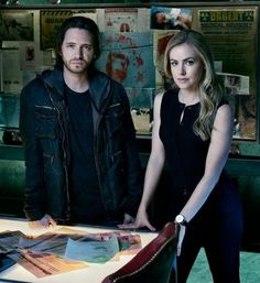 12 Monkeys - Cole and Cassie looking for clues to the Future!