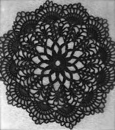 Here's the second of my Halloween doilies. I'm sure you've seen other versions of this pretty doily. Tablerunners, Crochet Doilies, Lana, Dream Catcher, Crochet Patterns, Crafty, Embroidery, Cool Stuff, Halloween