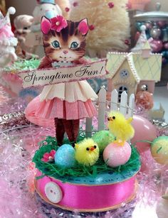 Springtime Fun *  Vintage-Look Chenille Pipe Cleaner  Ornament / Altered Art Display * Chenille Stem DIY Inspiration • Design could be altered for lots of holidays!