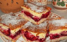 Toto je nejlepší švestkový koláč, jaký jsem kdy dělala: Švestky můžete nahradit i jiným ovocem a ten krém je božský! Hungarian Desserts, Hungarian Recipes, Fall Desserts, Delicious Desserts, Yummy Food, Cookie Recipes, Dessert Recipes, Czech Recipes, Baking And Pastry